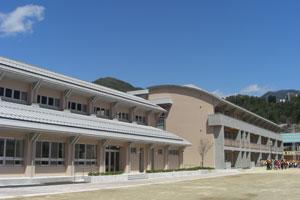 平成21年・平成22年下呂小学校校舎改築工事